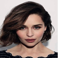 Emilia Clarke : l'ambassadrice de « The One »