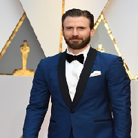 Knives Out: Chris Evans dans le film de Rian Johnson avec Daniel Craig