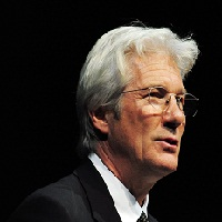 Richard Gere dans le remake de « Nevelot »